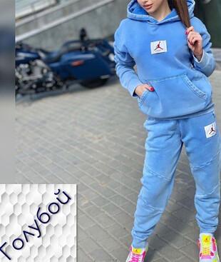 Костюм женский с капюшоном (голубой), велюр